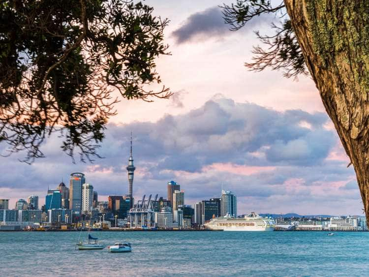 New Zealand, North Island, Auckland, Auckland skyline at sunset