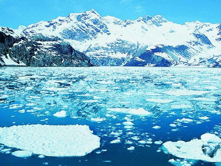 A view of Glacier Bay on a luxury cruise to Alaska