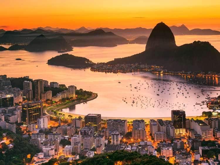 Brazil, Rio de Janeiro, Sugarloaf Mountain, Baia de Guanabara, Flamengo, Botafogo and Sugarloaf Mountain at sunrise
