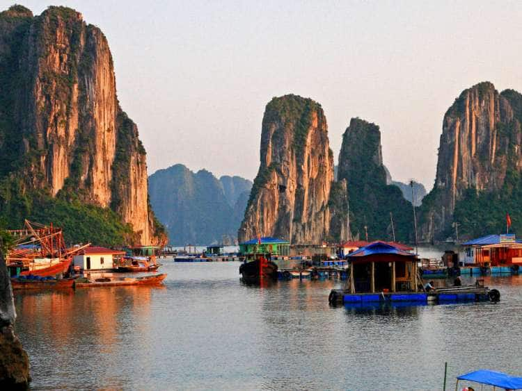Floating village in Ha Long Bay, North Vietnam, Quang Ninh, Vietnam