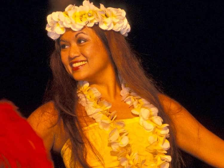 Hawaii, Maui, Lahaina, Old Lahaina Luau, Hawaiian girl, Indigenes Hawaii Woman.