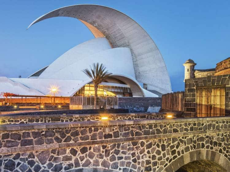 Castillo de San Juan Bautista Castle with Auditorio de Tenerife Concert Hall by Architect Santiago de Calatrava, Santa Cruz de Tenerife, Island of Tenerife, Canary Islands, Spain