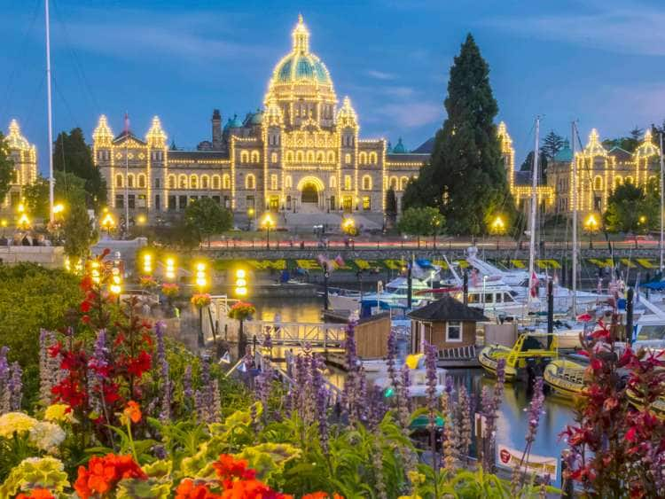 Canada, British Columbia, Vancouver Island, Victoria, Parliament, Legislature Building at dusk